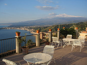 English: View of Mt. Etna - Taormina, Italy