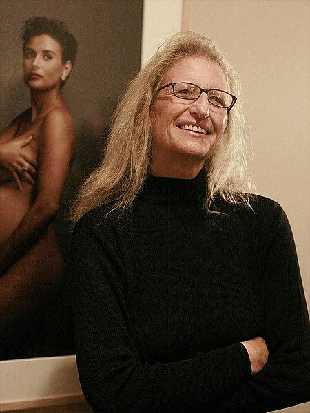 Archivo:Annie Leibovitz-SF-2-Cropped.jpg