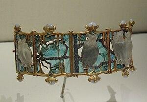 Français : Bracelet René Lalique. Musée Calous...