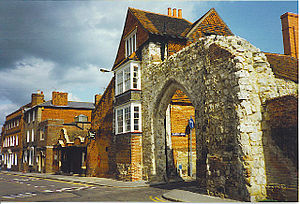 English: Guildford Museum and Castle Arch. On ...