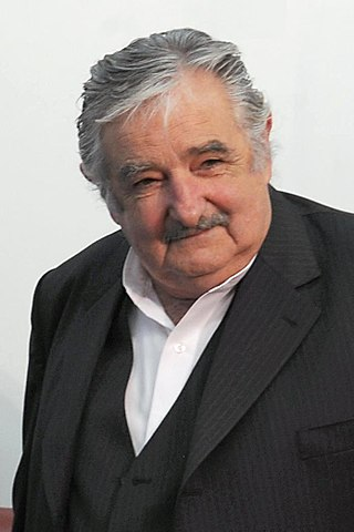 https://i2.wp.com/upload.wikimedia.org/wikipedia/commons/thumb/7/79/Pepemujica2.jpg/320px-Pepemujica2.jpg