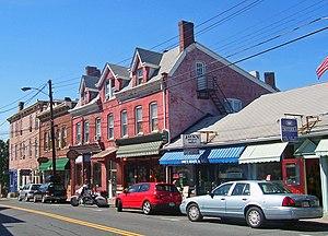 Downtown New Paltz, looking westward along Mai...