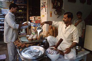 Sprzedawca lassi w Varanasi