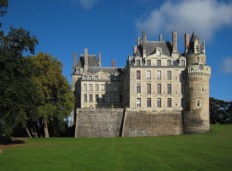 Castle Brissac 2007 01