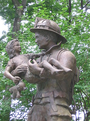 English: Darien monument to firefighters, Dari...