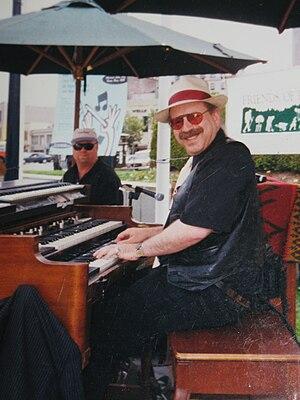 Jon Hammond at 1965 Hammond B3 organ in concer...