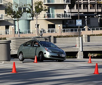English: Google driverless car operating on a ...