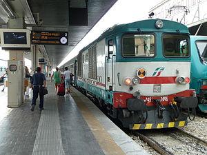 Italiano: Locomotiva diesel D.445 delle Ferrov...