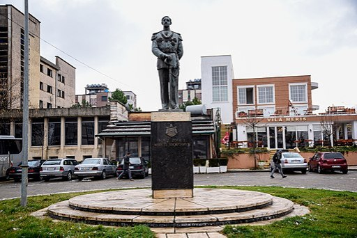 Monument of Zog I of Albania in Burrel 02
