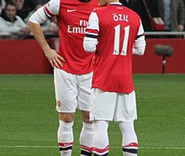 Ozil And Olivier Giroud Before Kick Off Against Southampton On