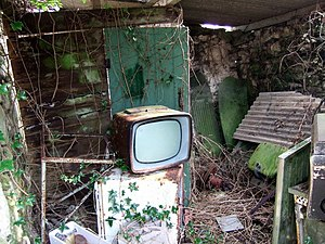 English: The box remains Old Murphy television...