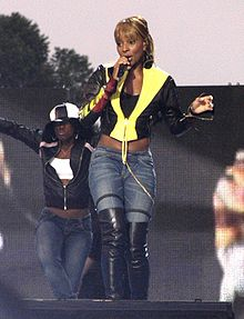 Mary J. Blige performing at the National Mall at the NFL Kickoff Live 2003 Concert, on September 4, 2003