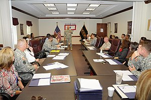 English: Redstone Arsenal commander Maj. Gen. ...