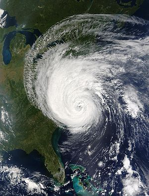 The eye of Hurricane Isabel approaches North C...
