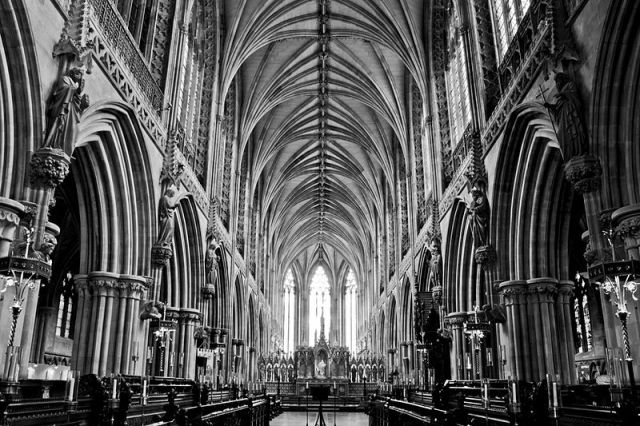 File:Lichfield Cathedral (7527807204).jpg
