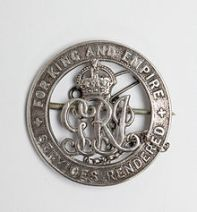 https://upload.wikimedia.org/wikipedia/commons/thumb/8/80/Alfred's_War_Badge_(awarded_after_his_wounding_in_1916).jpg/220px-Alfred's_War_Badge_(awarded_after_his_wounding_in_1916).jpg