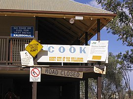 https://i2.wp.com/upload.wikimedia.org/wikipedia/commons/thumb/8/80/Cook-SouthAustralia.jpg/270px-Cook-SouthAustralia.jpg