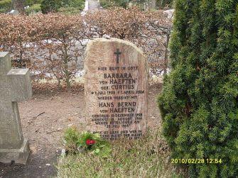 File:Grabstätte Hans Bernd von Haeften auf dem St.-Annen-Kirchhof in Berlin-Dahlem.jpg