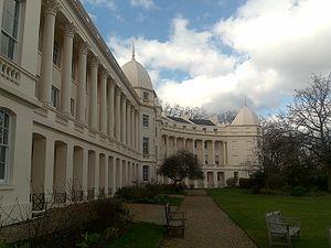 English: London Business School, UK