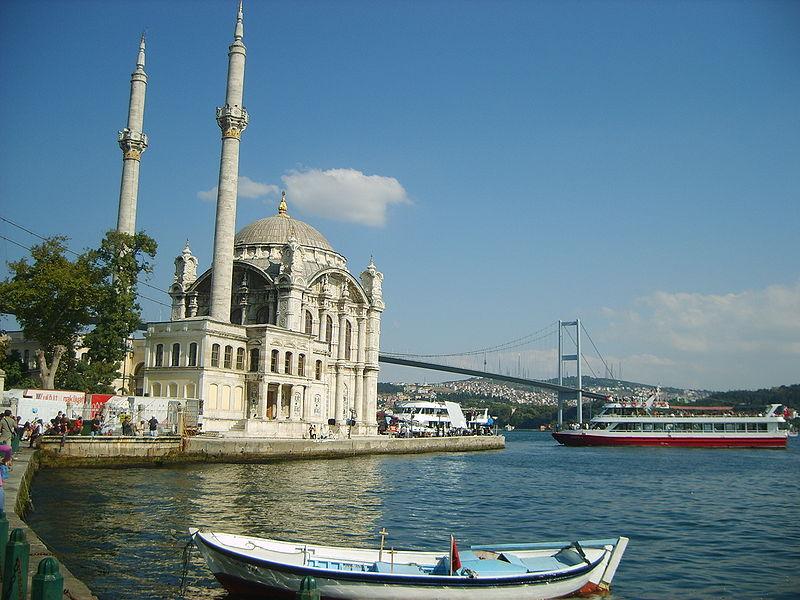 Bestand:Ortaköy camii.jpg