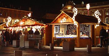 English: A Christmas market in Toulouse, France.
