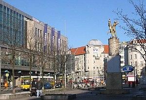 Description: Hermannplace in Berlin-Neukölln, ...