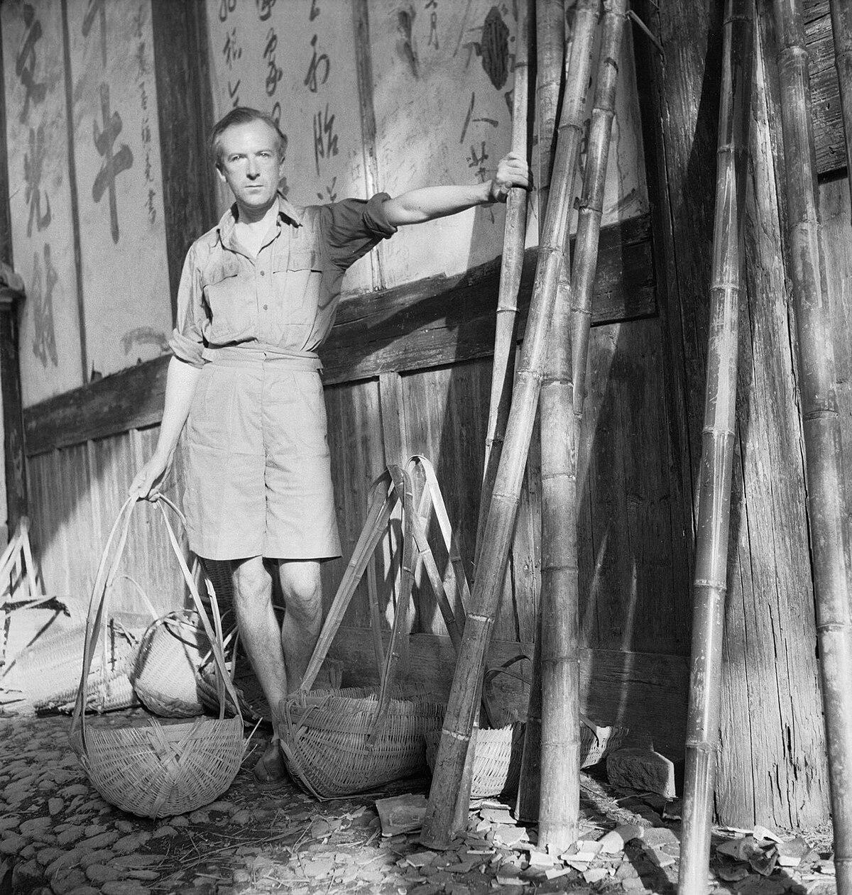 Cecil Beaton Photographs- General; Beaton, Cecil IB4287C.jpg