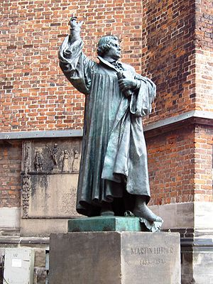 A statue of Martin Luther on the market place ...
