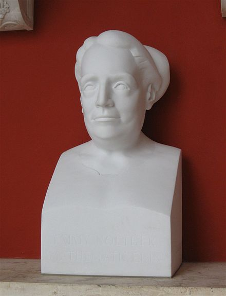 Bust in the Hall of Fame in Munich