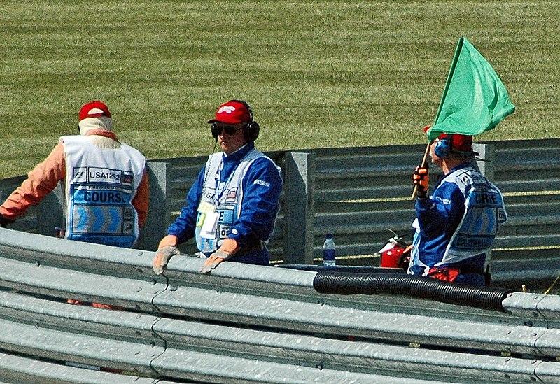 Ficheiro:F1 green flag.jpg