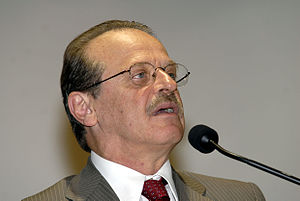 Português: Brasília - O ministro da Justiça, T...