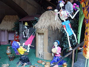 English: Decorations for the Dia de los muerto...