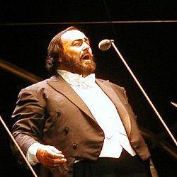 Luciano Pavarotti nel 2002