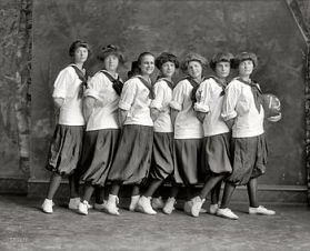 English: Group of girls from The Madeira Schoo...