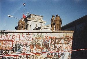 Berlin Wall on 16. November 1989.