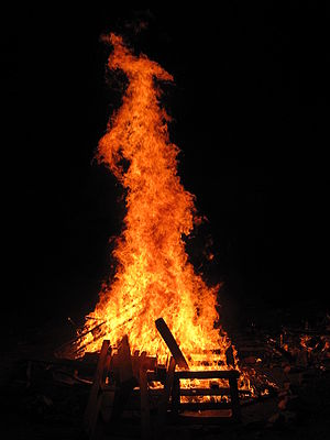 English: Lag BaOmer bonfire