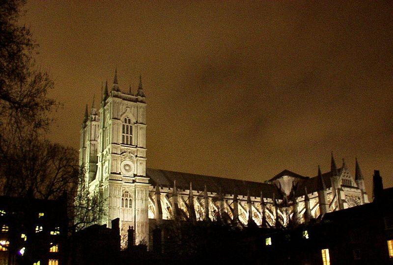 opactwo Westminsterskie nocą