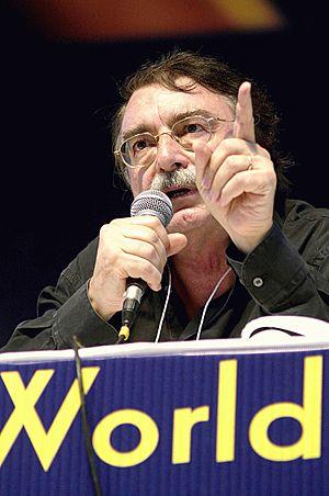 Português do Brasil: O diretor do Jornal Le Mo...