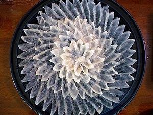 Fugu sashimi : Tessa is sashimi of thin sliced...