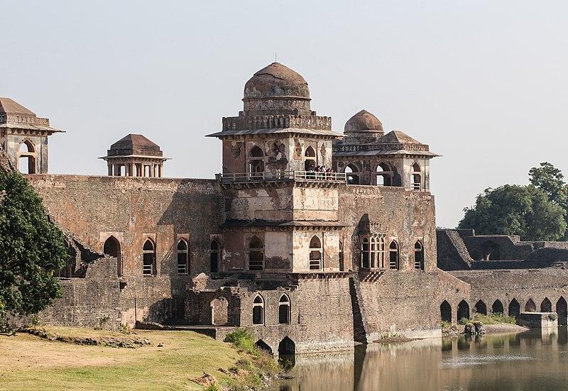 File:Jahaz Mahal 10.jpg
