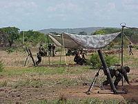 """Grupo de Artilleria """"VA. Lino de Clemente"""" del Ejército Nacional, ejecutando ejercicios militares en El Pao."""