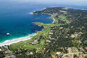 English: Aerial view of Pebble Beach, Californ...