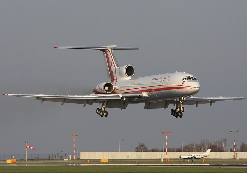File:Polish Air Force Tupolev Tu-154M Lebeda.jpg