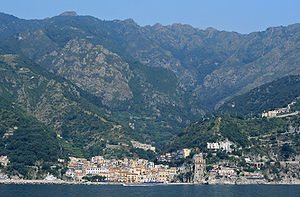 English: Cetara on the Amalfi coast, Italy