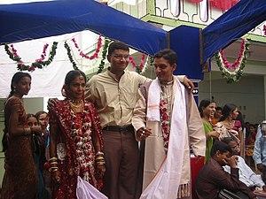 """Hindu wedding (""""Var Mala"""") with trad..."""