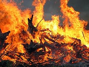 Midsummer festival bonfire closeup (Mäntsälä, ...