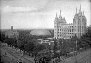Photograph of Temple Square in 1897, showing t...