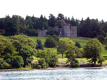 Loch Lomond Balloch Castle.jpg