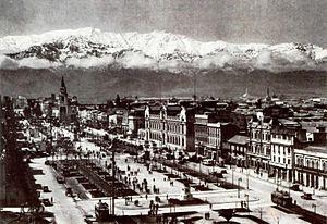 Español: Santiago de Chile en una postal de 1930.