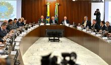 Vice President Temer holds his first cabinet meeting as Acting President at the Planalto Palace, 13 May 2016.